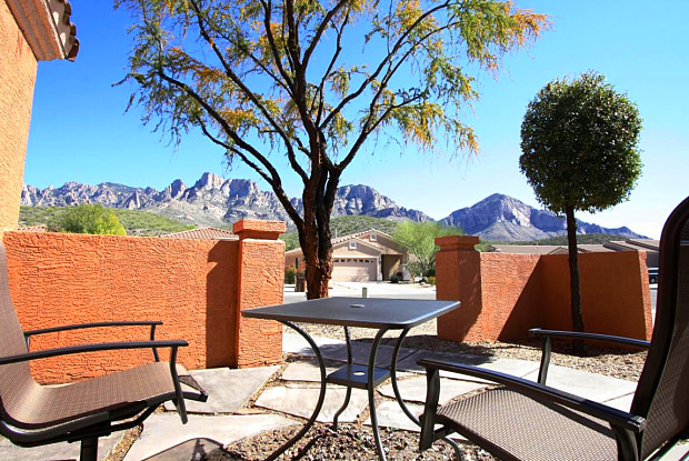 2215 E Stone Stable Drive - 2215 East Stone Stable Drive, Oro Valley, AZ 85737