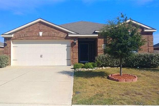 107 Kincaid Drive - 107 Kincaid Drive, Sanger, TX 76266