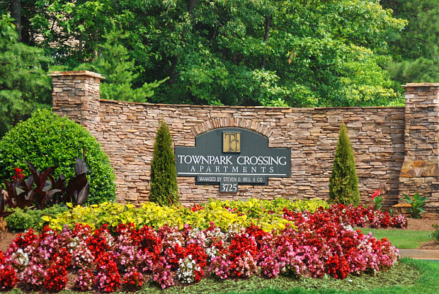 TownPark Crossing - 3725 George Busbee Pkwy NW, Kennesaw, GA 30144