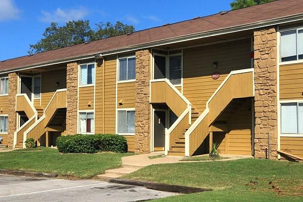 Avondale - 6760 S Trenton Ave, Tulsa, OK 74136