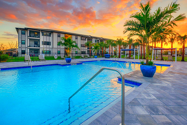 Coral Pointe at the Forum - 3100 Champion Ring Rd, Fort Myers, FL 33905
