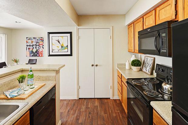 Camden Copper Ridge - 6635 S Staples St, Corpus Christi, TX 78413