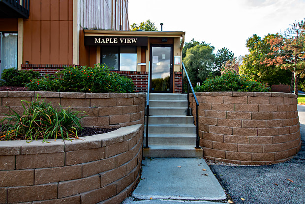 Maple View - 3625 N 104th Ave, Omaha, NE 68134