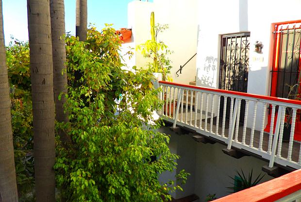 1332 1/2 Miller Drive - 1332 1/2 Miller Dr, Los Angeles, CA 90069