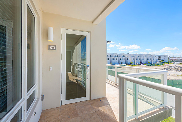 6415 NW 102nd Path Unit 202 - 6415 Northwest 102nd Path, Doral, FL 33178