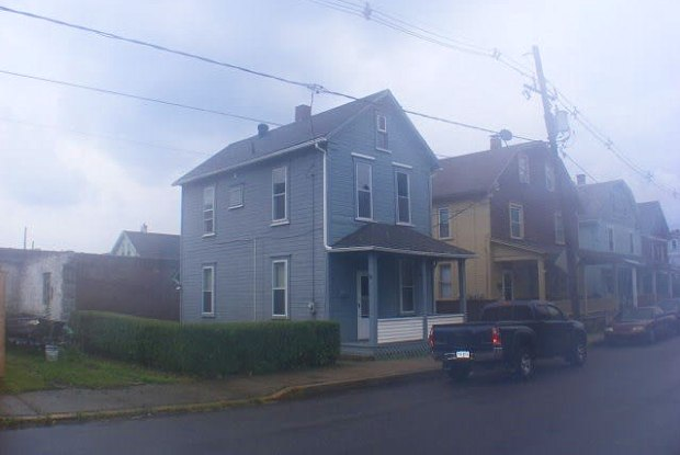 210 McMillen Street - 210 Mcmillen Street, Johnstown, PA 15902