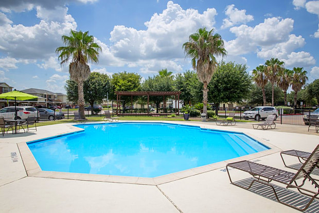 Woodglen Village Apartments - 11111 W Montgomery Rd, Houston, TX 77088