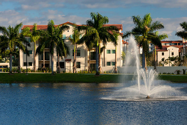 Jefferson Palm Beach - 290 Courtney Lakes Circle, West Palm Beach, FL 33401