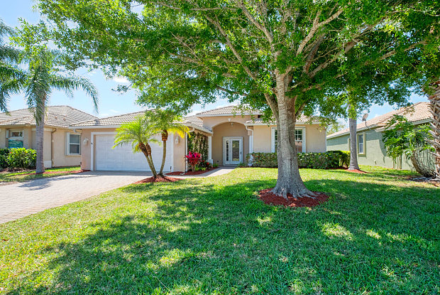 550 NW Waverly Circle - 550 NW Waverly Cir, Port St. Lucie, FL 34983