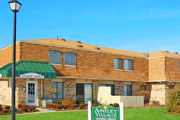 Ashley Village - 2272 Sunshine Pl, Columbus, OH 43232