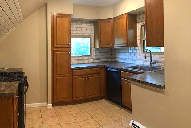 1689 Wyoming Avenue - 1689 Wyoming Avenue, Forty Fort, PA 18704