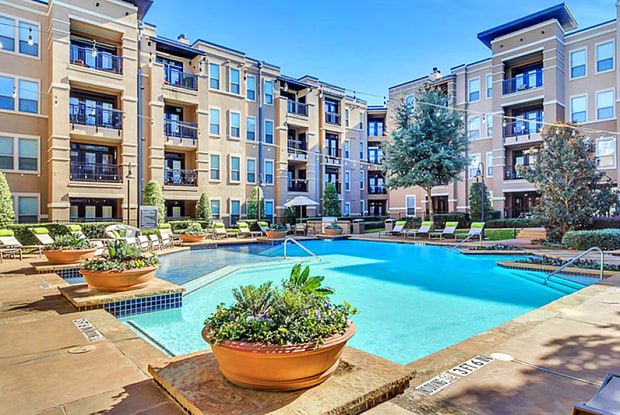 Lincoln Park at Trinity Bluff - 520 Samuels Ave, Fort Worth, TX 76102