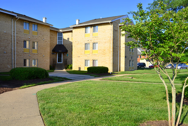 Berkdale Apartments - 661 Dulles Park Ct, Herndon, VA 20170