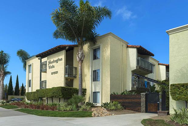Huntington Vista - 21551 Brookhurst St, Huntington Beach, CA 92646