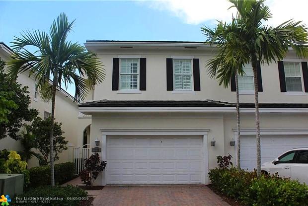 1748 NE 12th St - 1748 Northeast 12th Street, Fort Lauderdale, FL 33304