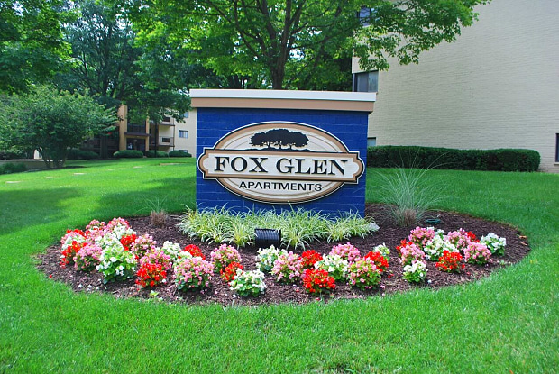 Fox Glen - 5902 Cross Country Blvd, Baltimore, MD 21215