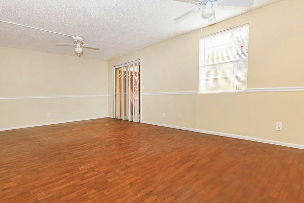 Riverview - 301 Caravan Circle, Jacksonville, FL 32216