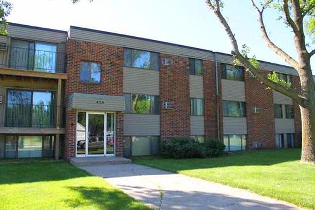 Fairlane - 455 North High Drive Northeast, Hutchinson, MN 55350
