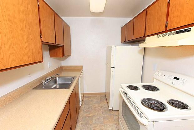 Century Plaza - 153 S 160th St, Burien, WA 98148