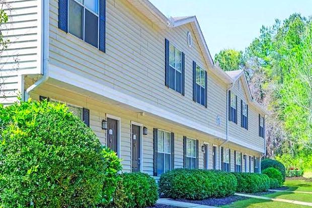 Springwood Apartments - 2660 Old Bainbridge Rd, Tallahassee, FL 32303