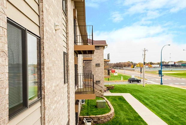 Camelot Square - 11639 Raven St NW, Coon Rapids, MN 55433