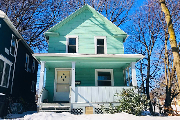 587 Washington Ave - 587 Washington Avenue, Irondequoit, NY 14617