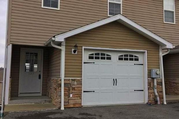 325 Golden Eagle Drive - 325 Golden Eagle Dr, Morgantown, WV 26505