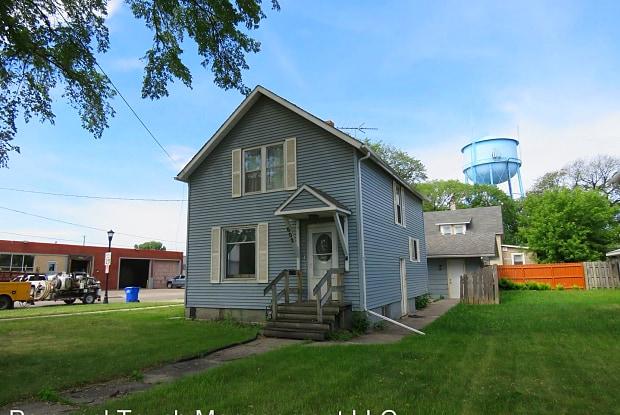 602 10th St N - 602 10th Street North, Fargo, ND 58102