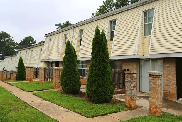 Sierra Townhomes - 2727 Godby Road, College Park, GA 30349