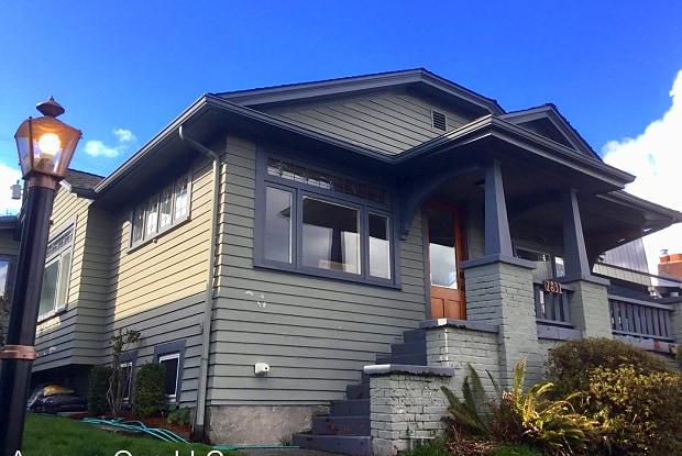 2831 Boyer Ave. E. - 2831 Boyer Avenue East, Seattle, WA 98102