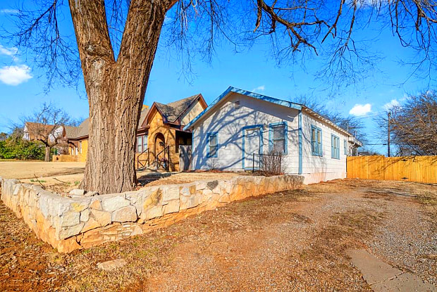 521 NW 26th Street - 521 Northwest 26th Street, Oklahoma City, OK 73103