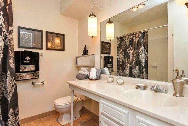 Willow Park - 6514 Chaffee Rd, Des Moines, IA 50315