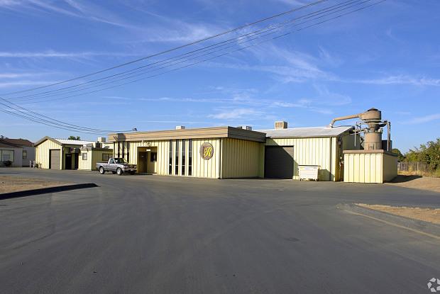 2038 E. Jensen Ave. Unit C1-SHOP - 2038 East Jensen Avenue, Fresno, CA 93706