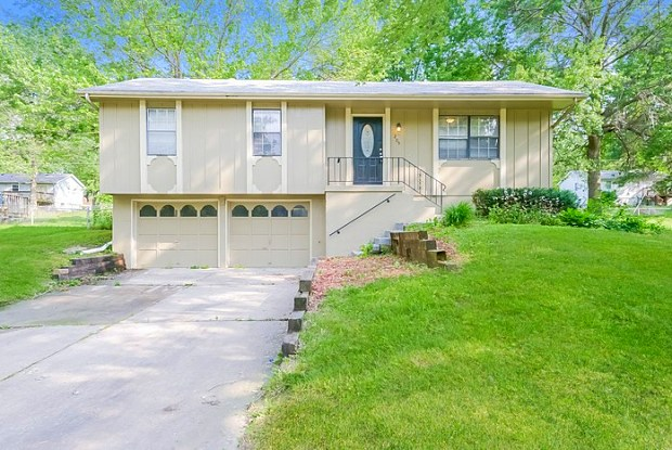205 Southeast Westminister Road - 205 Southwest Westminister Road, Blue Springs, MO 64014