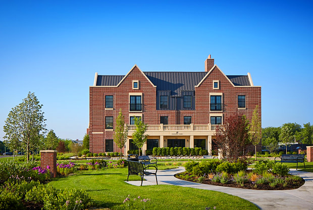 Apartment Homes At Kelmscott Park - 145 Morris Lane, Lake Forest, IL 60045