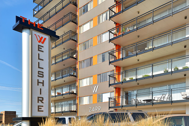 Wellshire Apartments - 2499 S Colorado Blvd, Glendale, CO 80222