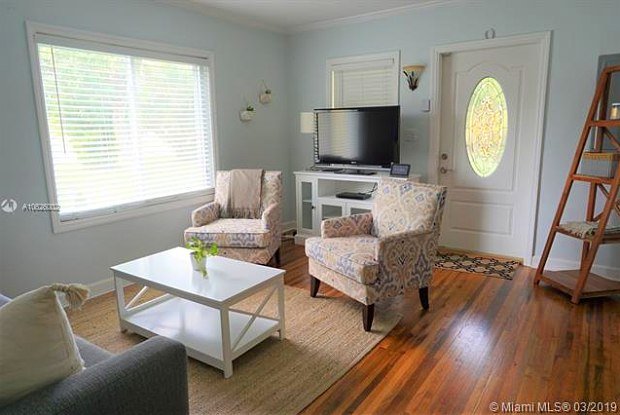 13555 N Miami Ave - 13555 North Miami Avenue, Golden Glades, FL 33168