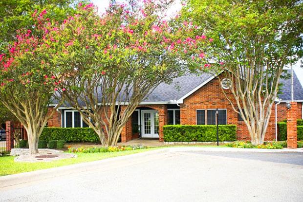 Channings Mark Apartments - 11282 Taylor Draper Ln, Austin, TX 78759
