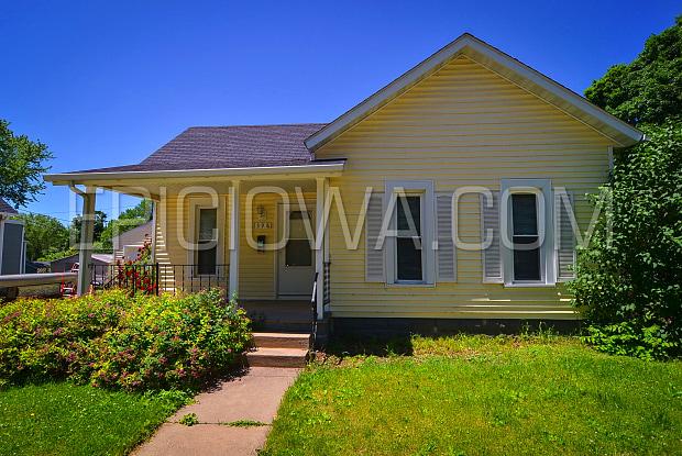 1398 12th St - 1398 12th Street, Marion, IA 52302