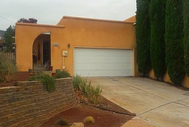 1554 Donette Place NE - 1554 Donette Pl NE, Albuquerque, NM 87112