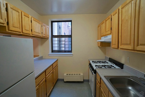 364 Montgomery Street - 364 Montgomery Street, Brooklyn, NY 11225