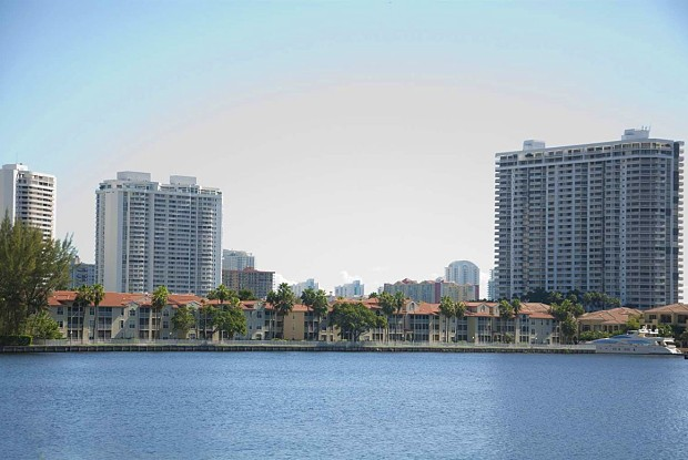 Lincoln Pointe - 17900 NE 31st Ct, Aventura, FL 33160
