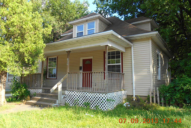 626 W Division St - 626 W Division St, Springfield, MO 65802