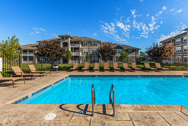Maple Knoll Apartments - 500 Bigleaf Maple Way, Westfield, IN 46074