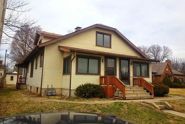 1409 North Charles Street - 1409 N Charles St, Belleville, IL 62221