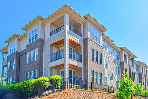Century Tryon Place - 4101 Skye Ln, Cary, NC 27518