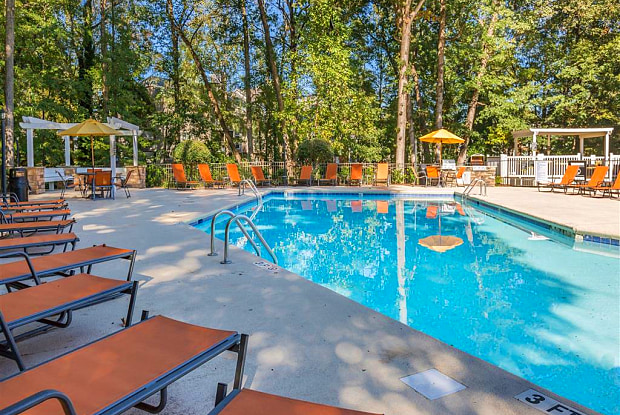 Southpark Commons Apartment Homes - 4401 Hampton Ridge Dr, Charlotte, NC 28210