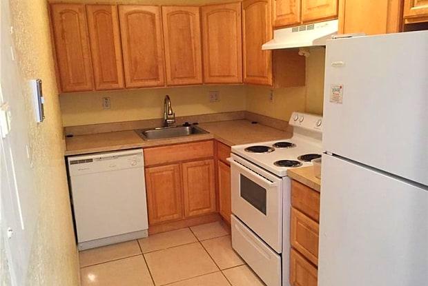 405 S Pine Island Rd Apt 205D - 405 South Pine Island Road, Plantation, FL 33324