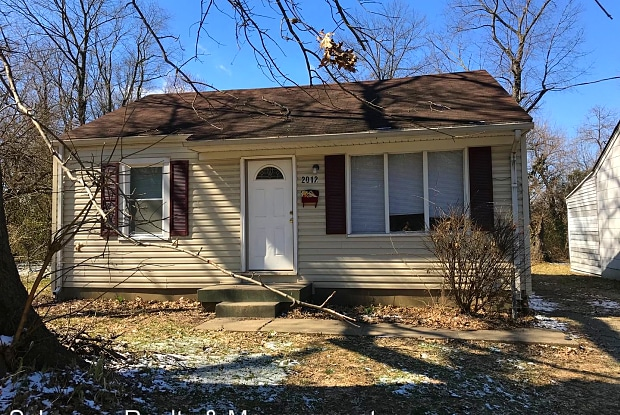 2012 S 40th St - 2012 South 40th Street, Louisville, KY 40211