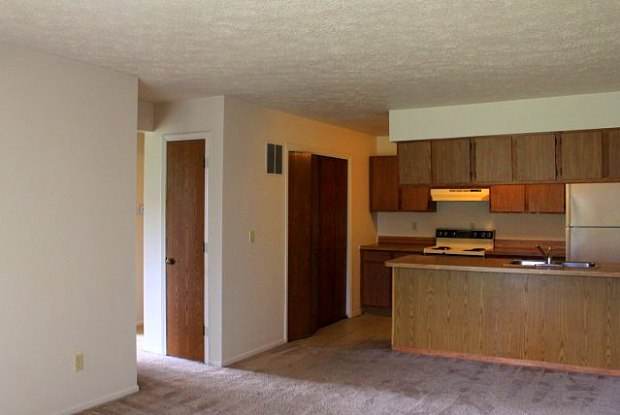 Woodwind Apartments - 1100 Clarinet Blvd S, Elkhart, IN 46516